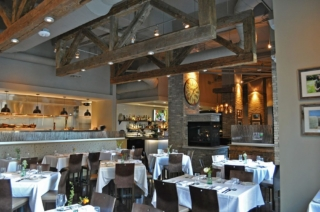 Reclaimed Barn Trusses, Dogwood Southern Table & Bar, Charlotte NC