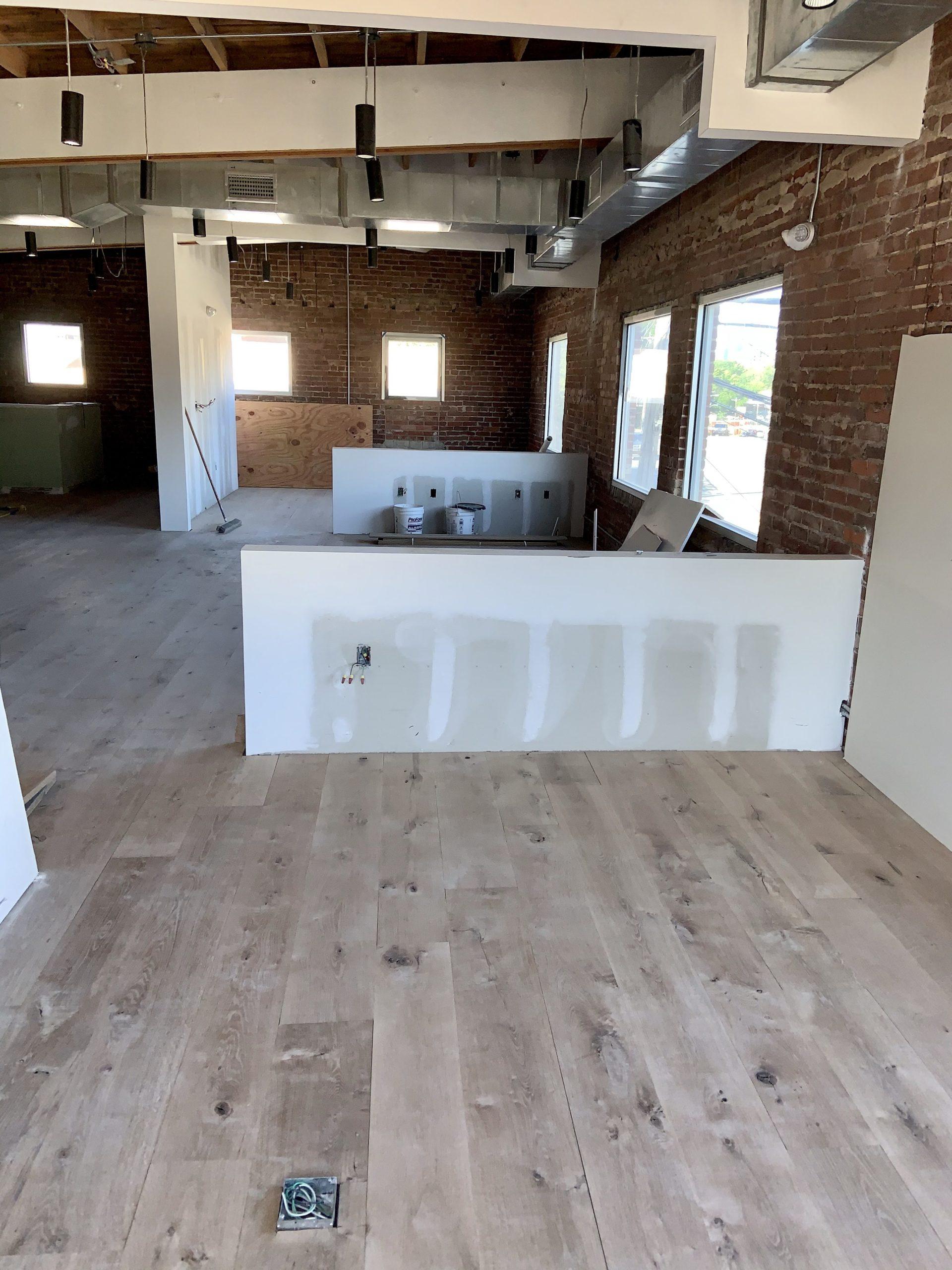 wide-plank-antique-white-oak-10