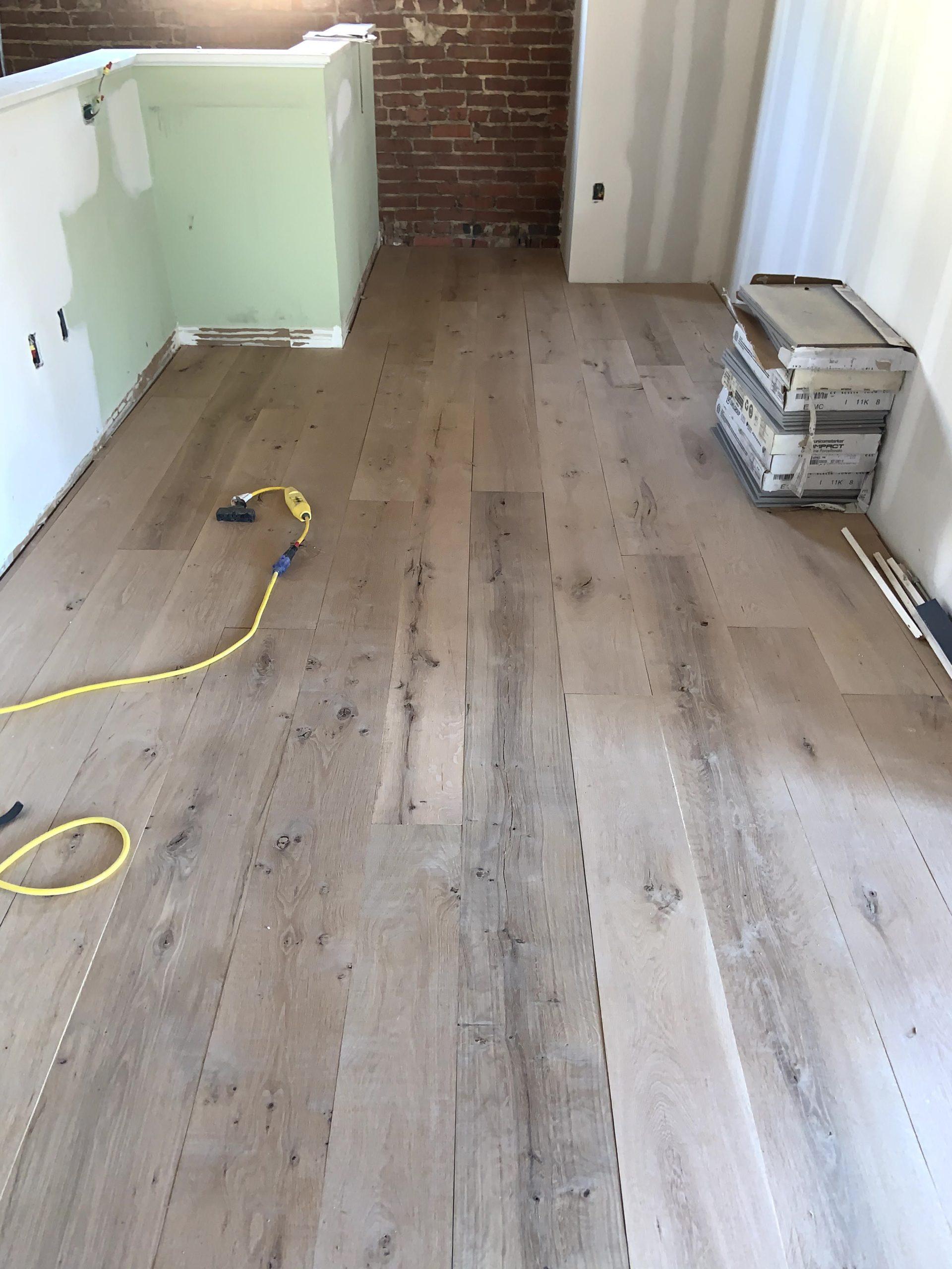 wide-plank-antique-white-oak-5