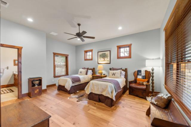 select-grade-engineered-heart-pine-flooring-1