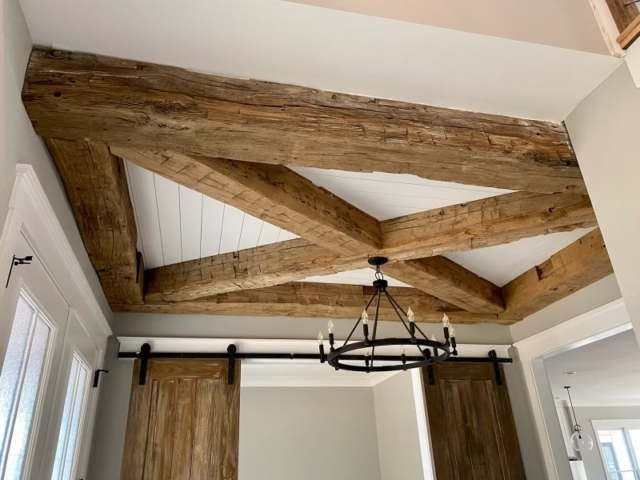 southend-reclaimed-antique-reclaimed-hand-hewn-beams-foyer